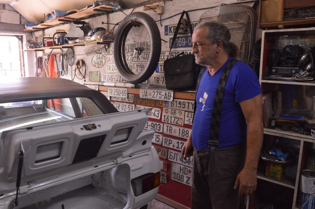 Senad Hadžijunuzović  Čačak:  Počelo je sa Fiatom 500, a najdraži oldtimer mi je bio Volvo PD 544