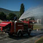 """Policajci i vatrogasci učestvovali u radu """"Internacionalne otvoreno zabavne škola nogometa za djevojčice"""""""