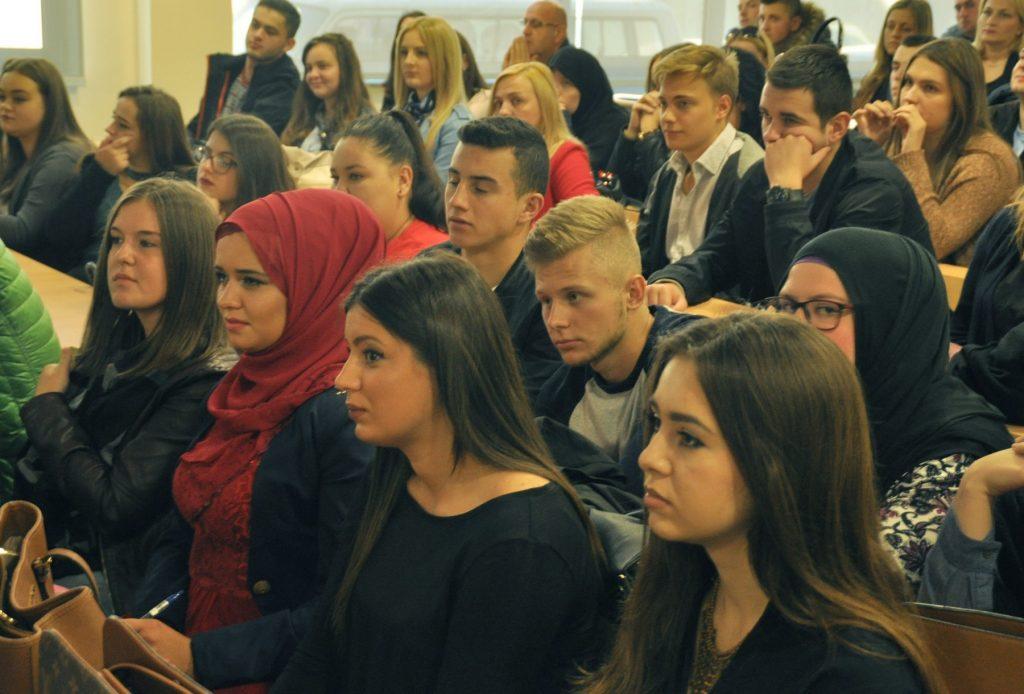 Svečani čas na Internacionalnom Univerzitetu u Travniku