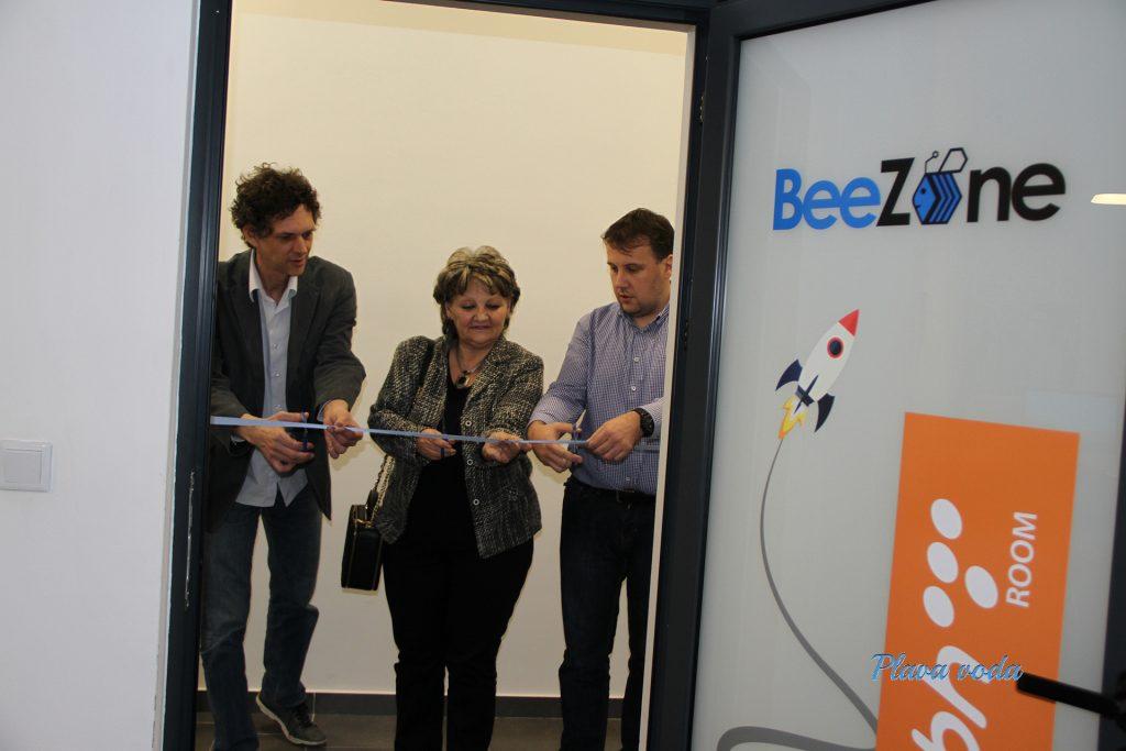 """U okviru EU projekta otvoren poslovni inkubator """"BeeZone"""" u Travniku"""