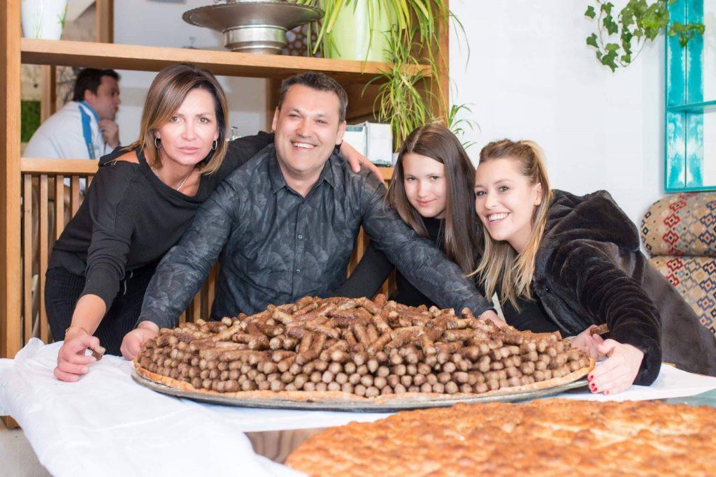 U Travniku napravljena najveća porcija od 2.160 ćevapa