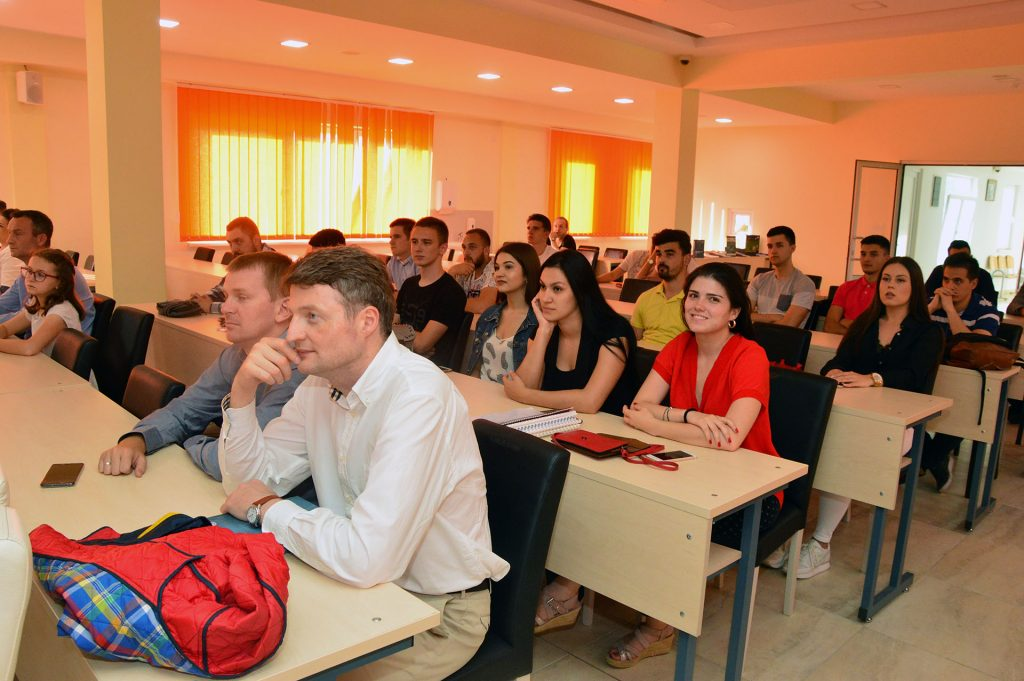 Farmaceutsko-zdravstveni fakultet Travnik promovisao izdavačku djelatnost
