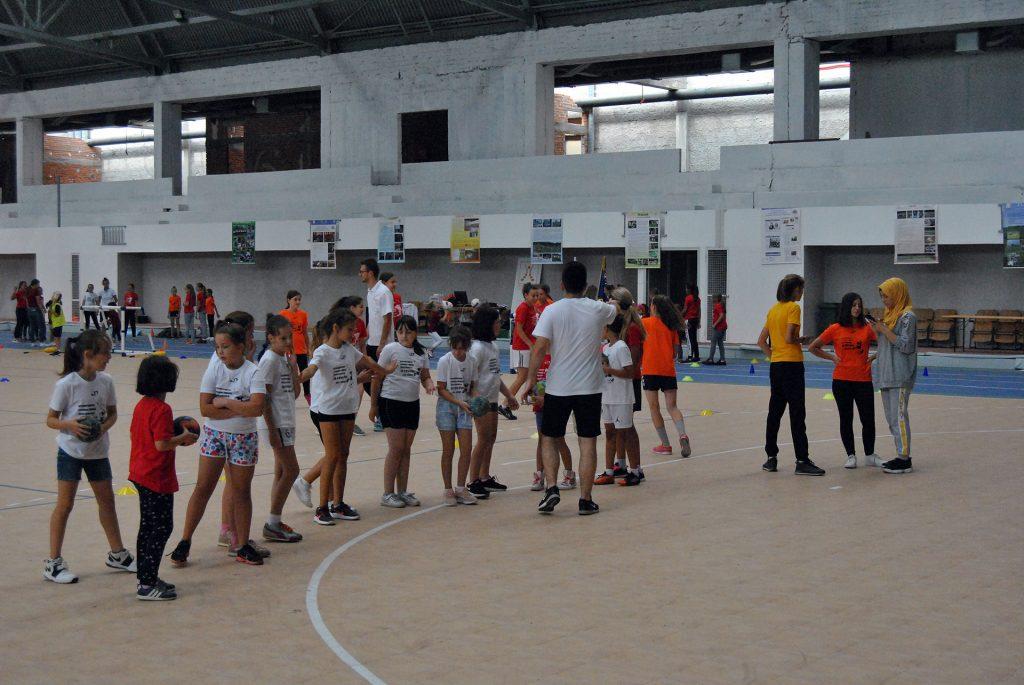 """U Travniku počela """"Internacionalna otvorena zabavna škola nogometa za djevojčice"""""""
