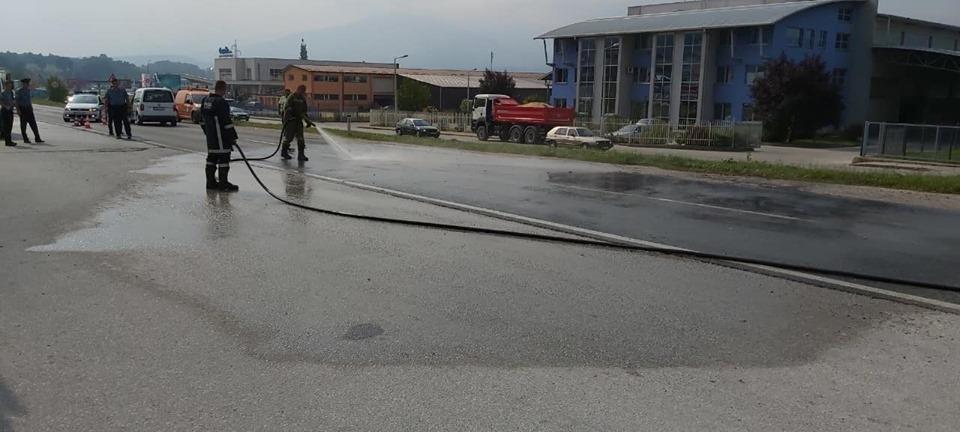 Tijelo poginulog 22-godišnjaka iz smrskanog auta izvlačili vatrogasci