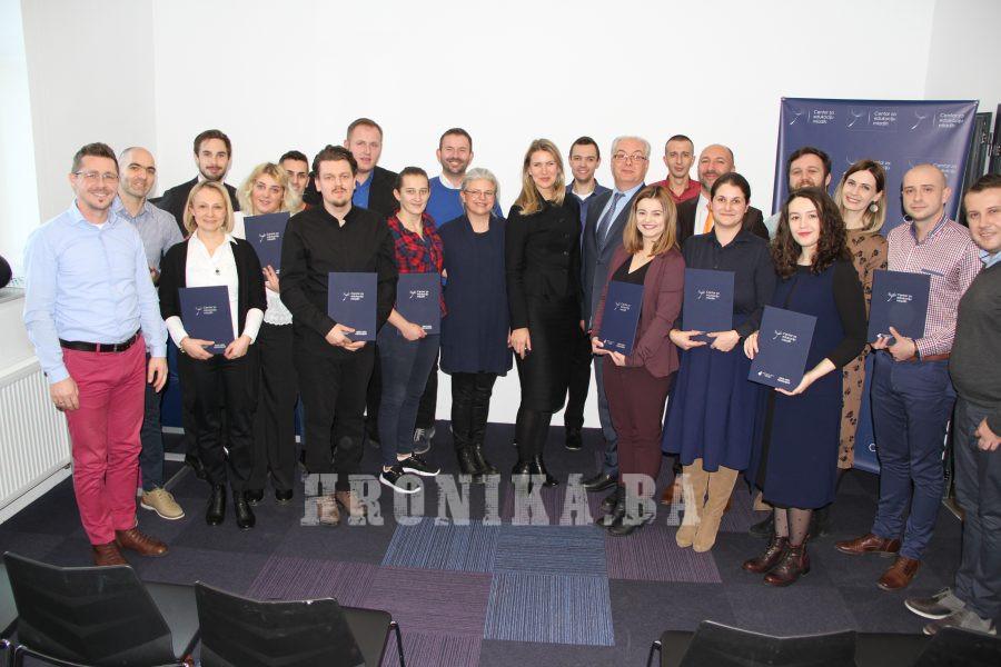 Švedska ambasadorica uručila certifikate omladinskim radnicima Centra za edukaciju mladih