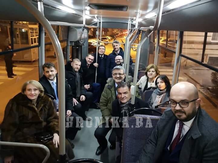 Izglasano nepovjerenje Vladi Kantona Sarajevo: Došli i otišli sa selfijem!