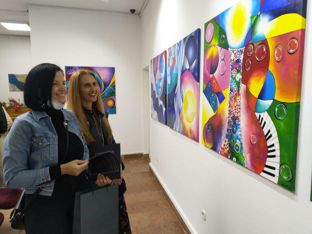 U galeriji Muzeja književnosti i pozorišne umjetnosti BiH otvorena prva samostalna izložba Tamare Vučinić