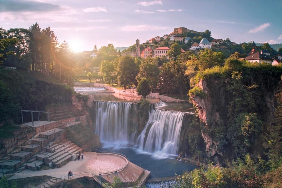 Kraljevski grad Jajce: Turiste očekujemo početkom juna, skokove sa vodopada nismo otkazali