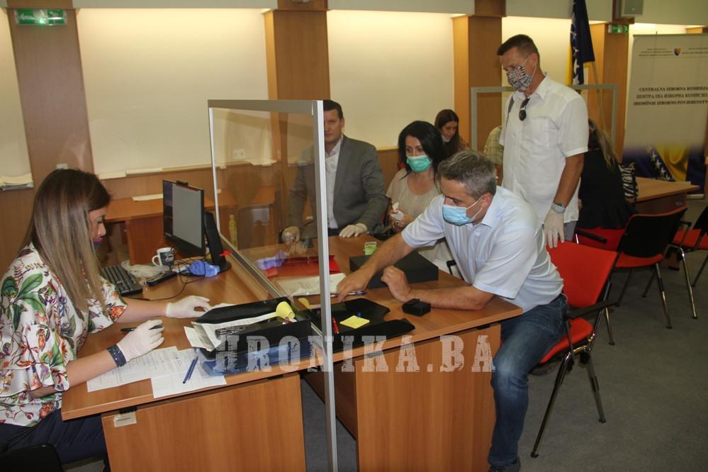 Za prvi nastup na lokalnim izborima, Nezavisni blok dostavo potpise podrške