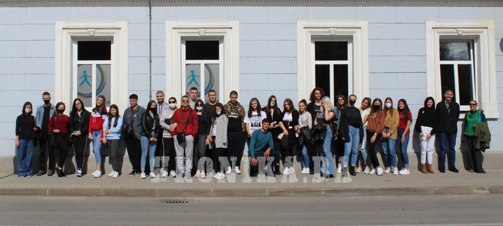 Posjeta mladih aktivista iz Prnjavora i Čelinca travničkom Centru za edukaciju mladih (CEM)