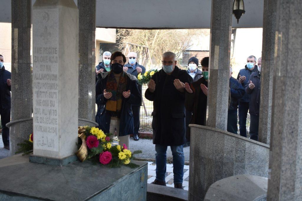 """U Mehurićima kod Travnika  u povodu """"28. godišnjice  306/706. brigade ARBiH""""  odata počast poginulim borcima"""