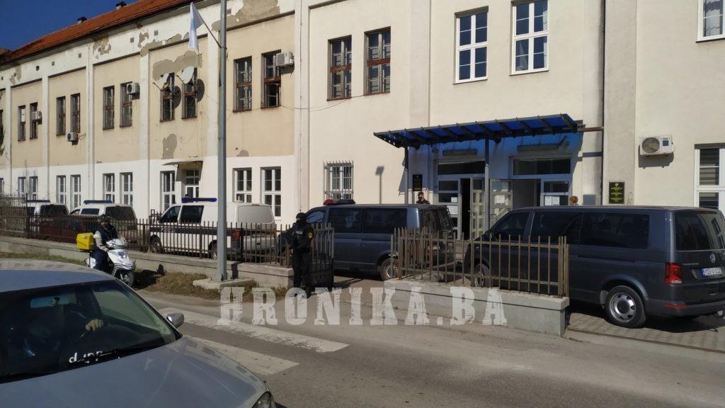 Nakon pretresa u Sarajevu i Kaknju u Kantonalno tužilaštvo Travnik privedena banda koja je pljačkala širom BiH