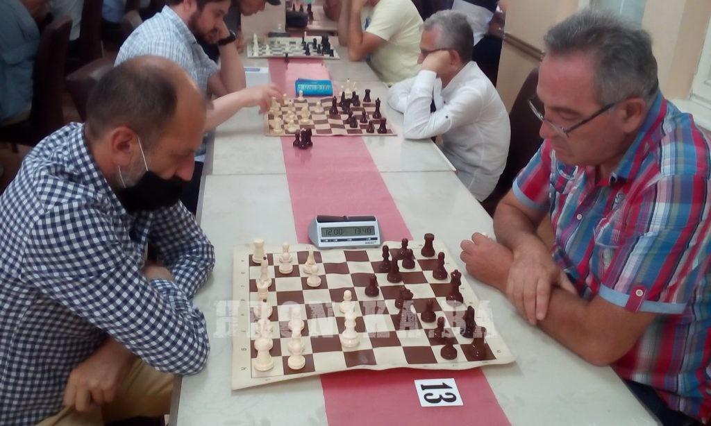"""Internacionalni majstor Goran Trkulja pobjednik šahovskog turnira """"AJVATOVICA 2021"""""""