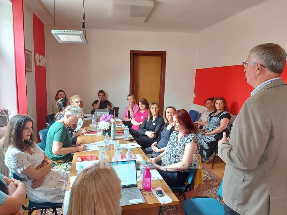 Članice Foruma žena SDP proteklog vikenda na konsultativno – edukativnom sastanku u Travniku