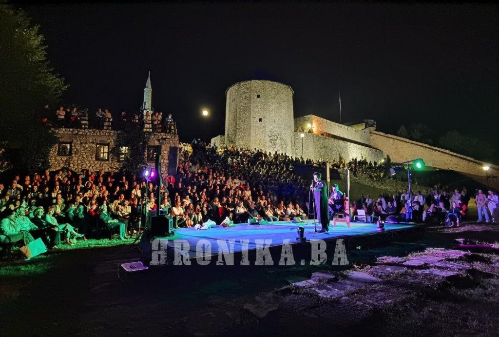 Čarobna noć uz Amira Medunjanin i Boška Jovića na travničkoj tvrđavi Stari grad